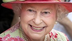 Královna Alžběta II. odjíždí na dlouhou dovolenou. Vrátí se až v říjnu